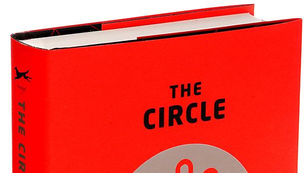 Det Sociale Vanvid: Anmeldelse af Dave Eggers' 'The Circle'